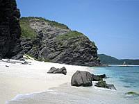 島の東側、砂浜の終わり
