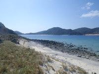 安慶名敷島の安慶名敷南のビーチ - ビーチの南端は岩場です