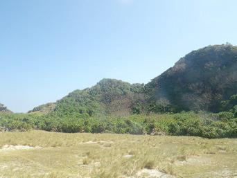 安慶名敷島の安慶名敷島の山