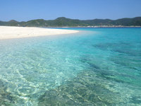安慶名敷北東のビーチ