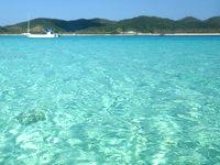 嘉比島の嘉比島沖の海の色 - この海の色は贅沢すぎます
