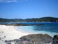 安慶名敷東のビーチ