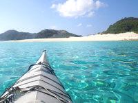嘉比島の嘉比島北のビーチ - 上陸するまでが特に海の色が綺麗です