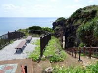 粟国島の割れ岩/東ヤマトゥガー/休憩所 - 休憩所ができていた!