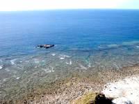 粟国島の筆ん崎西の海の中 - マハナ展望台から見るとこんな場所