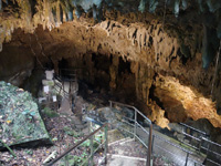 粟国島の洞寺 - 洞窟は無人でいつでも入れます