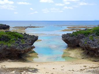 粟国島のナビィ別れの海/西の浜(ナビィの恋のロケ地)