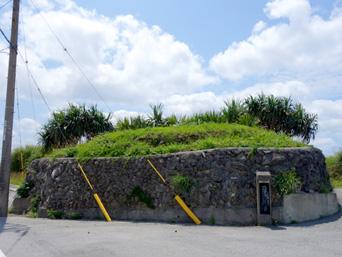 粟国島の番屋跡/番屋遠見台「相変わらず存在感があまりないです」