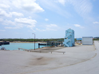 粟国島の粟国漁港 - あくまで船を係留場所のようです