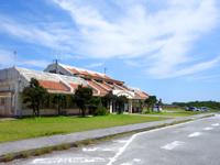 外地島のケラマ空港/慶良間空港 - 外地島唯一の建物