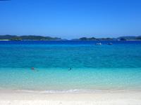 阿嘉島のニシ浜/北浜 - 座間味島との海峡にあるビーチです