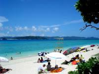 阿嘉島のニシ浜/北浜 - 阿嘉島としては人が多いかも?