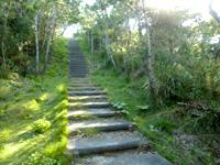 外地島の外地展望台 - 階段を結構上ります