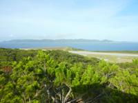 外地島の外地展望台 - 渡嘉敷島がまさに一望できます