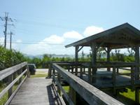 阿嘉島のニシ浜展望台 - ここから展望台へ上ります