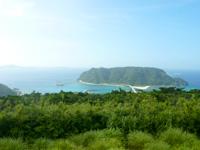 阿嘉島の中岳展望台 - 慶留間島側だけは開けている