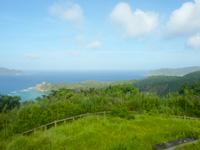 阿嘉島の中岳展望台 - クシバル側は緑が邪魔でイマイチ