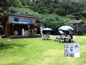 阿嘉島のニシ浜レストハウス/虹浜HOUSE(旧パーラーくば)「期間限定だけどあまり期待しない方がいいかも?」