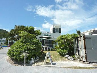 阿嘉島のはぁなカフェ「前浜がすぐ近くのロケーション」