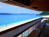 阿嘉島のニシバマテラス/ニシハマビーチテラス - カフェより贅沢な空間はもちろん無料
