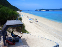 阿嘉島のニシバマテラス/ニシハマビーチテラス - お立ち台のような場所は監視員詰め所