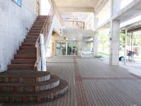 阿嘉島の阿嘉港/フェリーターミナル - 2階というか屋上に上がれるが景色イマイチ