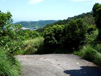 慶留間島の慶留間島横断道 慶留間集落側 - 慶留間橋も望めるかも