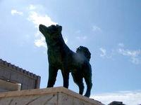 阿嘉島のシロの像
