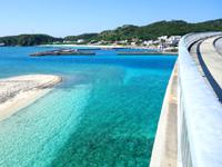 阿嘉島の阿嘉大橋 - 阿嘉集落側は慶留間島から見るのが良い!