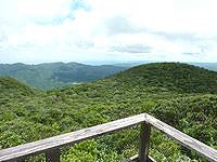 奄美大島の湯湾岳頂上/展望台 - 頂上の神社など