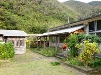 奄美大島の創作空間ムンユスィ/嘉徳小学校/カトク美術館 - 案内もあるけどその先には学校しかない