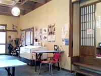 奄美大島のとうふ総菜兼食堂 島とうふ屋 - 店内は昭和のイメージ