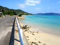 奄美大島の倉崎までのシーサイドロードの写真