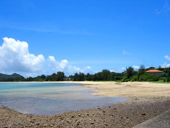 奄美大島の芦徳海岸「倉崎海岸への道の入口にあるビーチ」