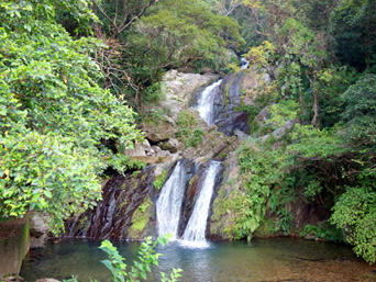 奄美大島のアランガチの滝「奄美大島第2の滝」