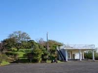 奄美大島の油井岳展望台 - 駐車場脇の展望台はイマイチ?