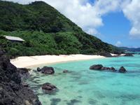 奄美大島の崎原手前のプライベートビーチ - こんな海にもすぐに行ける理想の家かも?