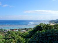 奄美大島の用展望台/休憩所 - 広い用海岸を一望できる場所