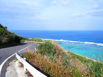 奄美大島の望楼台先の海「望楼台を越えた先にある海」