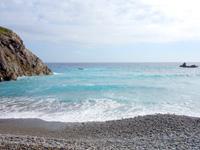 奄美大島のホノホシ海岸/洞窟 - 波は常に高いから丸い石が生まれる?