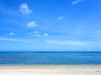 奄美大島の渡連海岸 - ビーチはかなり広い