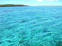 下地島と上地島の間の海