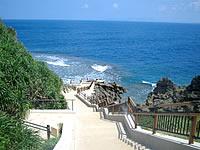 中部の真栄田岬
