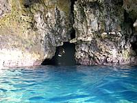 中部の青の洞窟/真栄田岬 - 青の洞窟入口です