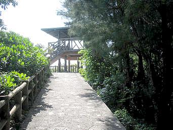 中部の屋慶名展望台/藪地島展望台「藪地島の近くにある展望台」