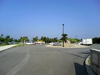中部のあがりティーダ公園「きらきらビーチのさらに先(北)にあります」