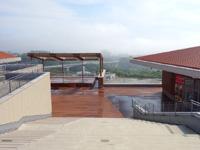 中部のイオンモール沖縄ライカム - 最上階には屋外劇場もあり