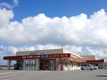 中部のぎのわんゆいマルシェ/宜野湾はごろも市場「宜野湾海浜エリアの奥まった場所にあります」
