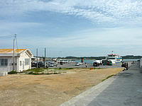 中部の平敷屋港/平敷屋地区旅客待合所/ターミナル - 船の発着場所