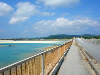久米奥武島の奥武橋「2008年時点で橋はとてもキレイになっていました」